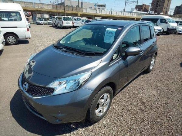 Nissan Note X DIG-S - 2015 год